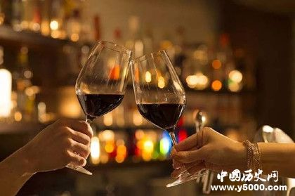 喝酒要先碰杯最初的目的是为了什么